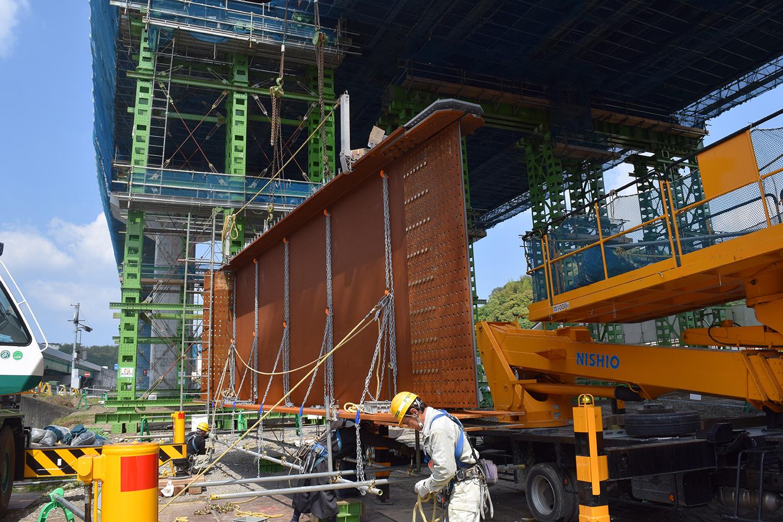 近畿自動車道紀勢線稲成高架橋本線上部工事